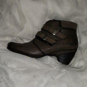 Taos Alto Boots